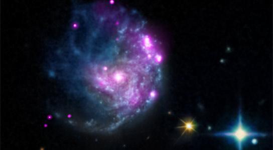 钱德拉(Chandra)在螺旋星系NGC 2276中发现了中等质量黑洞
