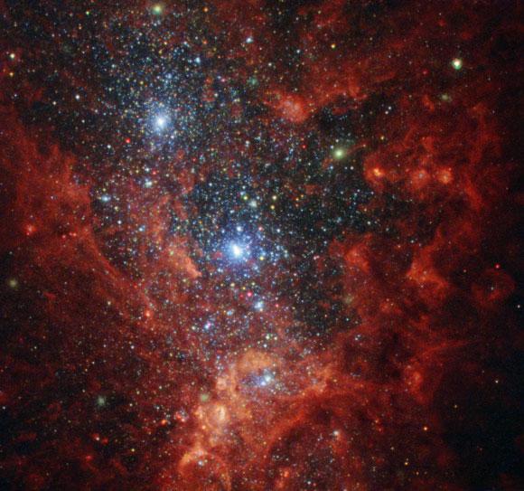哈勃揭示了NGC 1569的彩虹色内部