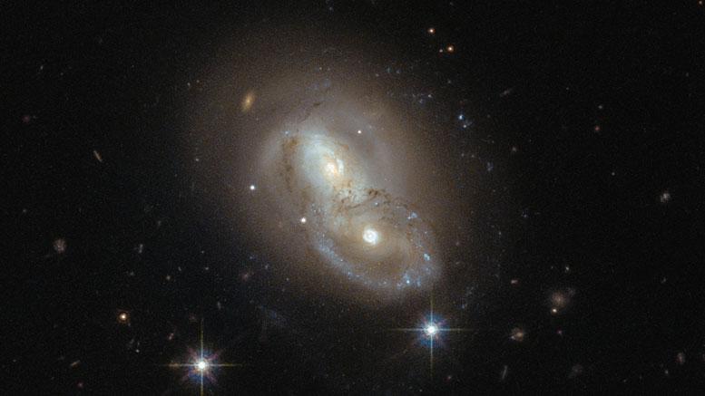 哈勃太空望远镜一周的影像–不寻常的银河IRAS 06076-2139