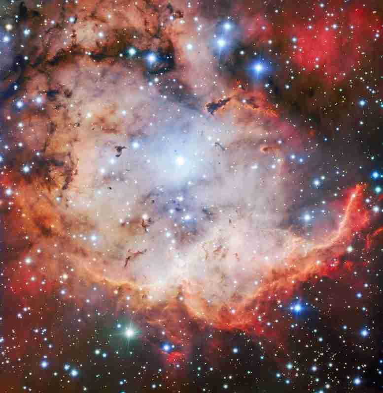 ESO非常大的望远镜捕捉了骷髅和横杆星云的惊人图像
