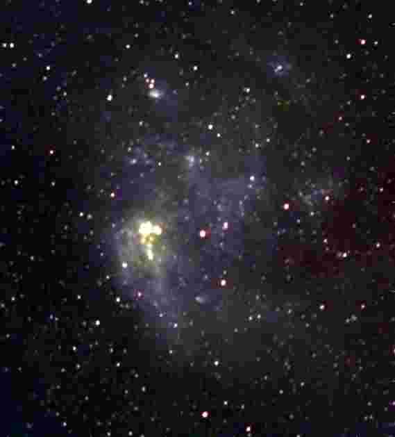 默奇森宽场阵列在麦哲伦星云中映射宇宙射线