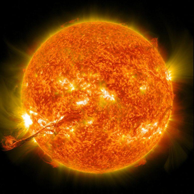 新的研究表明太阳爆发毕竟具有有趣的形状