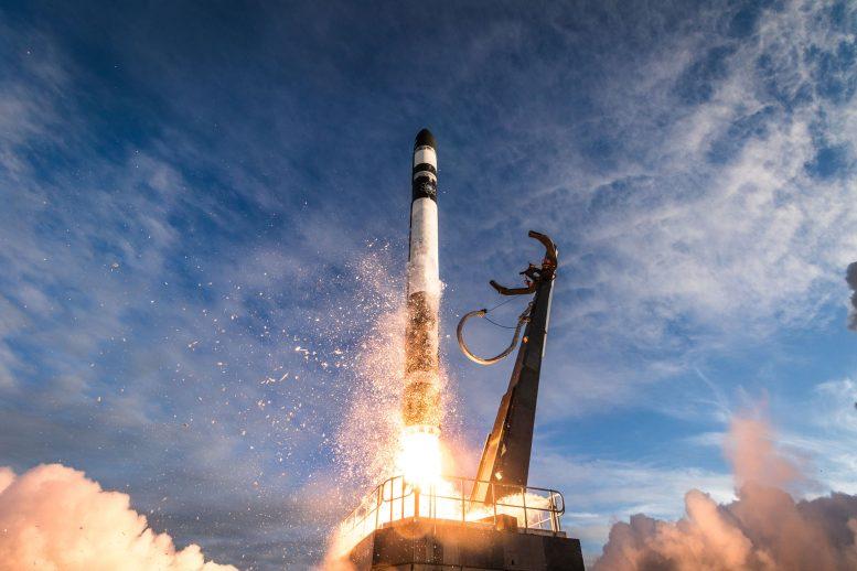 火箭实验室的电子火箭将一系列新型立方体卫星送入太空